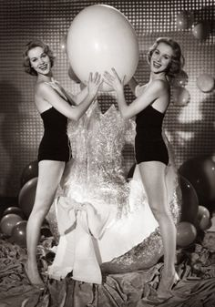 "damsellover: ""Bonus Easter Pinup of the day…Alice and Ellen Kessler "" Vintage Easter, Pin Up, Alice, Bodycon Dress, Hollywood, Formal Dresses, Holidays, Women, Ham"