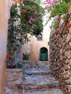 Lumen Cælestis — allthingseurope: Monemvasia, Greece (by Eva. Monemvasia Greece, Milan Cathedral, Travel Info, Greece Travel, Plan Your Trip, Traditional House, Athens, Beautiful Places, Places To Visit