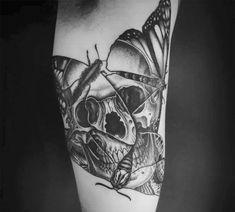 Znalezione obrazy dla zapytania moth tattoo