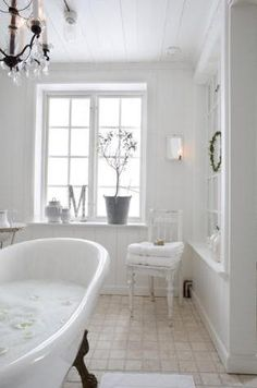 FilucaHouse: White...