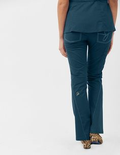 Discover Jaanuu's Women's pants for medical scrub outfits. Shop Jaanuu for contemporary medical apparel including scrubs, lab coats and more. Ponte Pants, Capri Pants, Scrubs Outfit, Lab Coats, Medical Uniforms, Flare Leg Pants, Womens Scrubs, Medical Scrubs, Scrub Pants