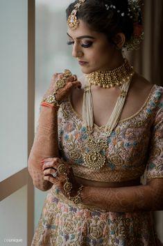 Red Lehenga, Party Wear Lehenga, Bridal Lehenga, Saree, Indian Bridal Fashion, Indian Wedding Outfits, Indian Outfits, Wedding Jewellery Inspiration, Bridal Poses