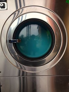 Laundromat machine is dreaming of clean ... http://snapcio.us/s/zhehq