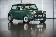 Really good picture and what a nice car. -1 for the color, does not seem to be british racing green.