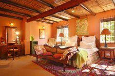 Muratie Wine Estate offers a luxury guesthouse and humble cottage