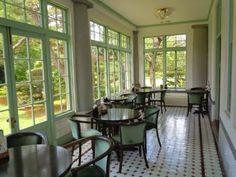 洋館 : まるごと青森 Room Interior, Interior And Exterior, Aomori, Interior Decorating, Interior Design, Old Building, House Rooms, Windows, Japan