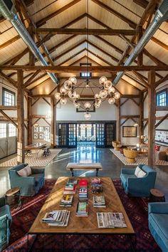 Modern barn house interior barninium pinterest house for Log home planimetrie