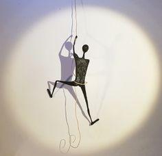 Blog photos sculptures en papier maché de camille jacobs.blogspot lézard monstres escargots