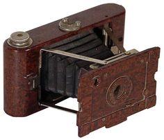 Kamera mit Bakelitgehäuse © Stadtmuseum Berlin | Foto: Mikro UNIVERS GmbH