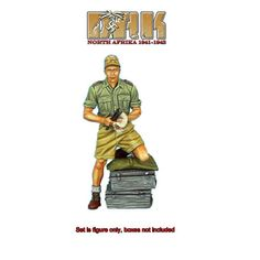 First-Legion-DAK024-Das-Deutsche-Afrika-Korps-Panzer-Crew-with-Wrench