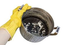 Cooking Tip: Bubble, Bubble, Toil and Trouble To easily remove burnt food from the bottom of your pots and pans, add a drop or two of liquid dish soap and enough water to just cover bottom of the pan,. Cleaning Burnt Pans, Oven Cleaning, Cleaning Hacks, Clean Burnt Pots, Casseroles, 1940s Kitchen, Burnt Food, Uses For Coffee Grounds, Copper Pots