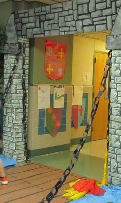 Castle entrance way for medieval VBS. Knights of God. Once Upon A Time. Castles Topic, Medieval Party, Classroom Door, Castle Classroom, Château Fort, Thinking Day, Wishful Thinking, Vacation Bible School, Medieval Times