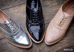 To loca para comprar um desses! Oxford Shoes Outfit Women's, Casual Shoes, Shoes Sneakers, Dress Shoes, Sock Shoes, Cute Shoes, Shoe Boots, Basket Style, Travel Shoes