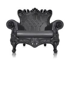 black plastic lounge chairs