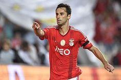 FUTEBOL -  Jonas, jogador do Benfica festejam com os seus colegas dur