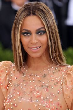 The BEST blonde celebrity hair color and highlights to show your stylist asap: Beyonce