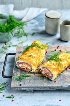 """Recipe """"Omelet wrap with smoked salmon"""" yum! - Omelet wrap with smoked salmon njam. Healthy Recipes, Clean Recipes, Diet Recipes, Healthy Snacks, Punch Recipes, Food Inspiration, Love Food, Food And Drink, Dinner"""
