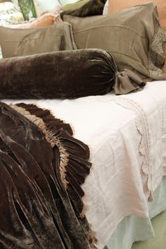 Blue Springs Home Blog: Fall Into Bed with Bella Notte Linens!