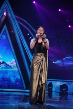 RK special on Indian Idol 10 Indian Idol, Spanish Villas, Bollywood News, Indiana, Sofa, Singer, Studio, Concert, Dresses