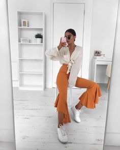 "5,173 likerklikk, 47 kommentarer – Alicia Roddy (@lissyroddyy) på Instagram: ""I am all about the colour of these @missyempire trousers & of course the frills, link to them in my…"""