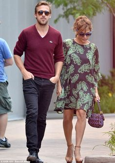 Ryan Gosling and girlfriend Eva Mendes spent the last few days in Niagara Falls! Celebrity Couples, Celebrity News, Eva Mendes And Ryan, Welcome Baby Girls, Ryan Gosling, Skin Tight, Niagara Falls, Pretty Outfits, Casual Outfits