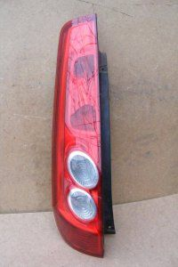 Kup teraz na allegro.pl za 70,00 zł - Ford Fiesta MK6 3D lift lampa prawa tylna…