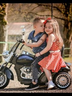 Live To Ride: Photo So Cute Baby, Cute Baby Couple, Baby Kind, Cute Love, Baby Love, Cute Babies, Cute Kids Pics, Cute Baby Pictures, Baby Photos