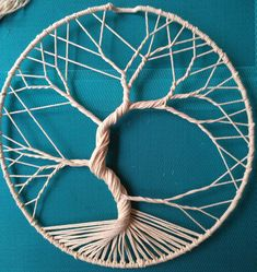 How to make a Tree of Life with rope – Gardening for beginners and gardening ideas tips kids Rope Crafts, Yarn Crafts, Diy And Crafts, Arts And Crafts, Macrame Design, Macrame Art, Macrame Projects, Atrapasueños Tattoo, Dream Catcher Craft