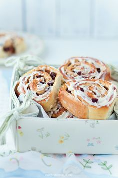 Cinnamon Buns    Delicious food ideas to give as gifts this season! From cookies and candid to jarred recipes and more! Join me with your favorite recipes to give. Wed. 12.12.12 12pmEST    http://stagetecture.com/episode8
