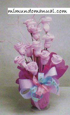 Como hacer bonitas rosas de papel crepe ~ Mimundomanual