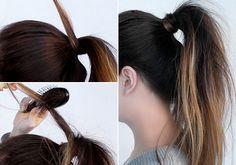 A hajgumit a hajaddal is eltakarhatod. Válassz le egy hajtincset, tekerd vele körbe a gumit, és alul tűzd meg hullámcsattal.
