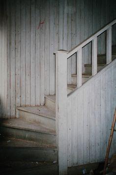 Italianpunainen paritupa: Portaat yläkertaan