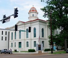 Yazoo County Courthouse (Yazoo City, Mississippi) by courthouselover, via Flickr