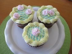 Royal Icing Roses to Decorate Cakes and Cupcakes Cookies CakePoPs Edible to Size Many Colors ReAdY To ShIp! Easter Cupcakes, Cupcake Cookies, Decorate Your Own Cake, Royal Icing Flowers, Nut Free, Gum Paste, Cake Pops, Baked Goods, Catering