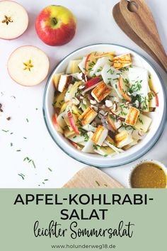 Apple and kohlrabi salad with halloumi - Eat Lunch, Stromboli, Summer Salads, Raw Food Recipes, Pasta Salad, Food Inspiration, Side Dishes, Good Food, Barbecue