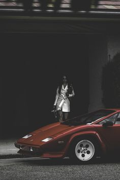 Waiting for her. Lamborghini Countach. #petrolified