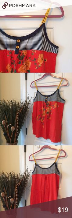 Flowy Tank EUC! Only worn a couple times. This was one of my favs...always received compliments! Size L. Crafty Couture Tops