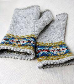 Ravelry: hgd11's Fair Isle Fingerless Gloves. Perfect. Fingerless Gloves Knitted, Crochet Gloves, Knit Mittens, Knit Crochet, Motif Fair Isle, Fair Isle Pattern, Fair Isle Knitting, Hand Knitting, Knitting Yarn