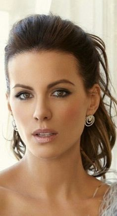 Kate Beckinsale -The Face that Launched a Thousand ships. Kate Beckinsale Images, Kate Beckinsale Hot, Beautiful Celebrities, Beautiful Actresses, Beautiful Eyes, Most Beautiful Women, Pretty Face, Hair Beauty, Celebs