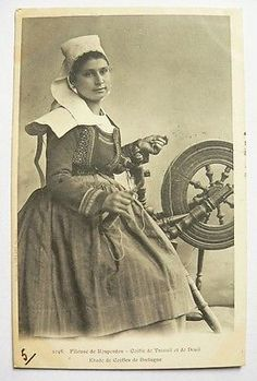 CPA - Fileuse de Rosporden-Etude de Coiffe / Coll. Villard Costume N°1046- 1901