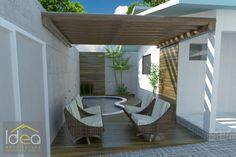 Para as residências que não possuem muito espaço, a ideia é trabalhar uma piscina pequena e ao mesmo tempo aconchegante. Neste projeto elaboramos uma piscina com formato orgânico, possui diferenças de profundidade em função do uso do proprietário, ficou muito charmosa e ideal para a família.  #ProjetoDeAutoriaDoEscritórioIDEAArquitetura# contato (66) 3405 2145 ou (66) 9 99986804