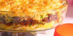 Boodschappen - Ovenschotel met gehakt, prei en aardappel Dutch Recipes, Oven Recipes, Meat Recipes, Cooking Recipes, I Love Food, Good Food, Yummy Food, Tasty, Oven Dishes