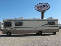 1997 Used Fleetwood Bounder Ford 35U Class A in Oklahoma OK.Recreational Vehicle, rv, 1997 Bounder Ford 35U 1997 Ford Fleetwood Bounder 35U Time for a trip! This Bounder from Fleetwood has held up great and has a unique floorplan that you're sure to love. The front of the cabin features all leather captain's chairs, mounted back-up camera and more. The living area by the cockpit has been divided by a fluffy loveseat and an additional chair and table make this into a cozy place to visit…