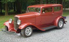 1932 Ford Tudor Sedan Hot Rod