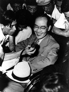 日本人初の受賞ノーベル物理学賞の湯川秀樹氏