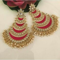 Uploaded by Find images and videos on We Heart It - the app to get lost in what you love. Gold Jhumka Earrings, Indian Jewelry Earrings, Gold Bridal Earrings, Jewelry Design Earrings, Gold Earrings Designs, Jhumka Designs, Designer Earrings, Ruby Earrings, Ear Jewelry