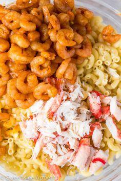 Cajun Shrimp And Crab Mac And Cheese Cajun Shrimp And Crab Mac And Cheese Recipe Queenslee Appétit Cajun Shrimp Recipes, Fish Recipes, Seafood Recipes, Pasta Recipes, Gourmet Recipes, Cooking Recipes, Healthy Recipes, Cajun Food, Cheese Recipes