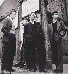 vintage everyday: 20 Vintage Photos of Dapper British Teddy Boys and Girls from… Teddy Boys, Teddy Girl, 1950s Fashion, Teen Fashion, Vintage Fashion, 50s Fashion Boys, Runway Fashion, Club Fashion, Latest Fashion