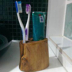 #ToothBrushHolder #RusticBathroom #Toothbrush #Holder #Reclaimed #WoodToothbrushHolder #liveedge #liveedgewood #liveedget #decoração #decor #decoration #insta #instadecor #modern #rustic #wood #bathroom