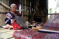 Photo by Kim Tiblani taken at Kalyong, Landan, Polomolok, South Cotabato. Philippine Mythology, General Santos, Living Treasures, Tribal Community, Filipino Culture, Mindanao, Passed Away, Borneo, Ikat
